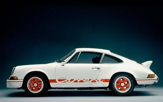 Porsche 911 Carrera RS 1973: Uma pesquisa conduzida em 2014 pelo Discovery Channel revelou que o Porsche Carrera 2.7 RS 1973 foi o carro mais valorizado da última década. Em 2004, seu preço girava em torno dos R$ 260 mil (convertendo de libras para o real). Dez anos depois, o Porsche mais esportivo da sua época era avaliado em torno de R$ 2 milhões , ainda de acordo com o canal