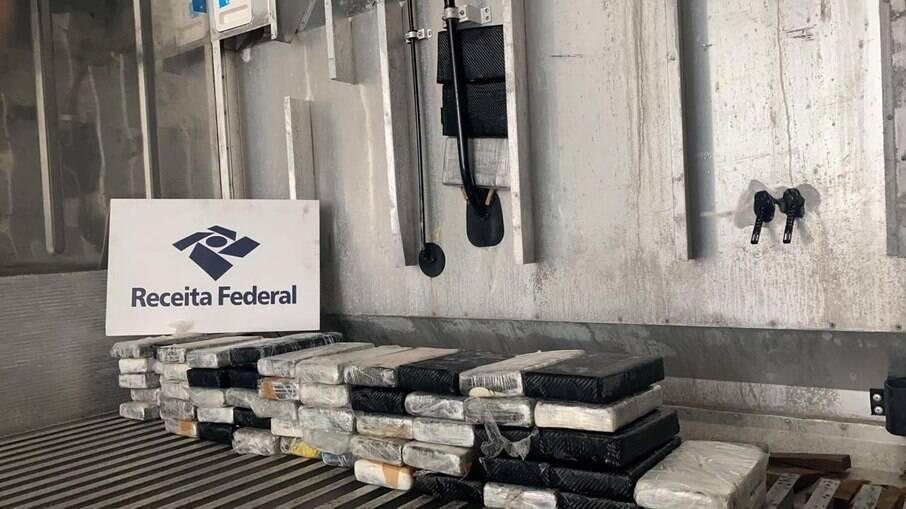 A droga foi encontrada em uma carga de 27 toneladas de limões