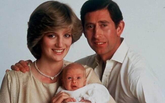 O nascimento de Príncipe William também foi cercado de expectativa. O filho de Diana e Charles veio ao mundo em 21 de junho de 1982