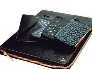 Capinhas para celulares e tablets desenhadas por Kate Moss para a grife de acessórios Carphone Warehouse