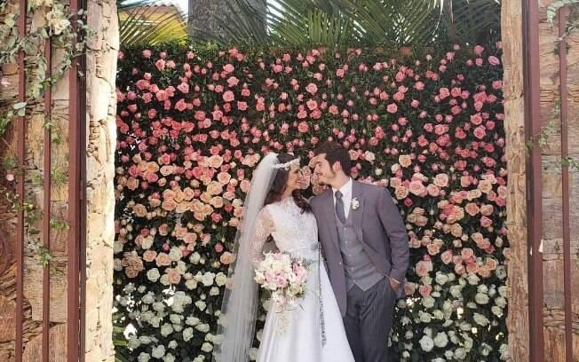 As flores tiveram grande atuação na decoração do casamento que foi ao ar na novela