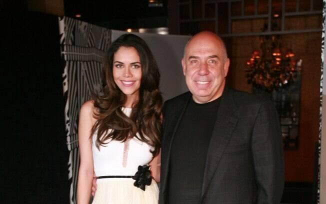 Daniela Albuquerque e Amilcare Dallevo Jr. fizeram uma festa a dois para renovar os votos de casamento