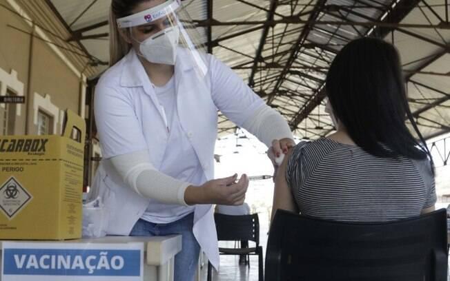 Campinas amplia vacinação para jovens de 12 a 17 anos de grupo de risco
