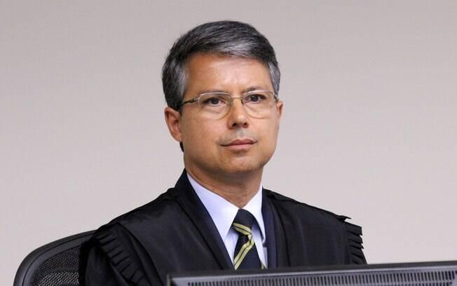 Desembargador Victor Laus no julgamento de recursos da Lava Jato na 8ª Turma do TRF-4
