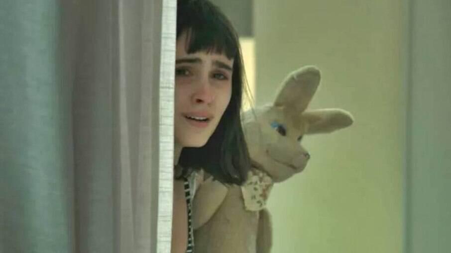 Bebeth ouve Sabine contar a Dom que ela é culpada pela morte da própria mãe