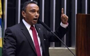 Líder do PT na Câmara acredita que Cunha arquivará pedido de impeachment - Política - iG