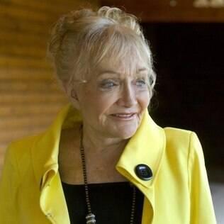 Mary Graham tem 77 anos e é empresária. Acabou de fazer um lifting na face e colocar implantes nos seios