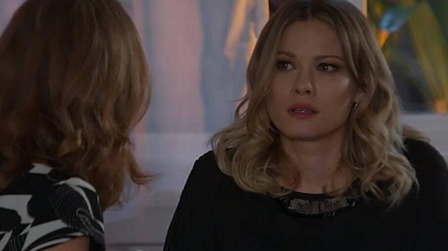 Vitória revela a Karen que Guido é padrasto de Felipe é o pai de Shirlei