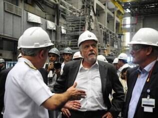 Jaques Wagner visita o Estaleiro e Base Naval (EBN) da Marinha do Brasil em Itaguaí, região metropolitana do Rio, onde são construídos cinco submarinos