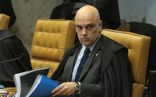 Alexandre de Moraes entende que apenas o presidente pode decidir sobre o indulto de natal