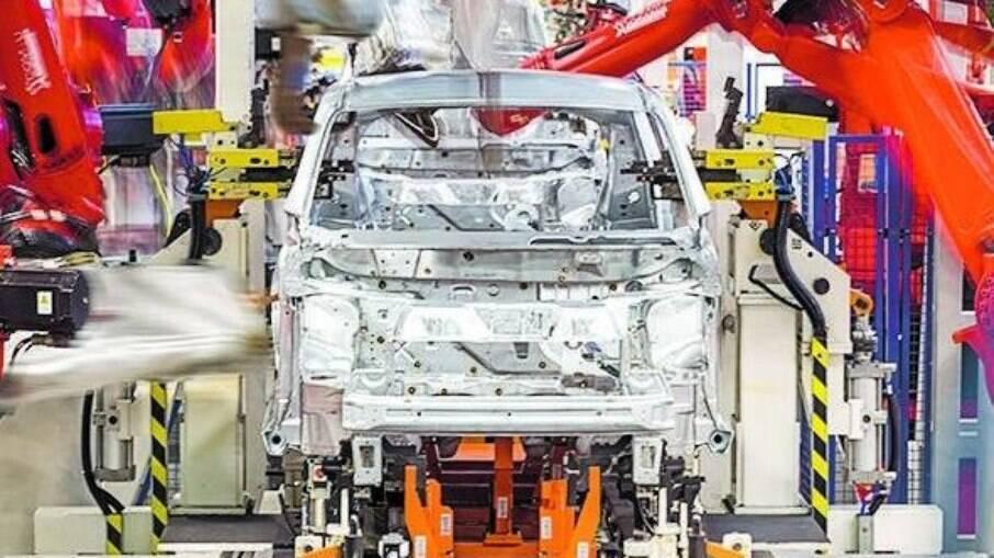 Montadora justificou a paralisação falta de insumos para a produção dos carros e ressaltou a retomada das atividades no dia 29 de abril