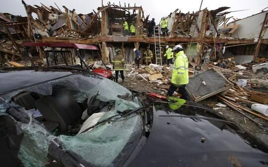 'Parecia cenário de guerra', dizem testemunhas de explosão no Texas - BBC - iG