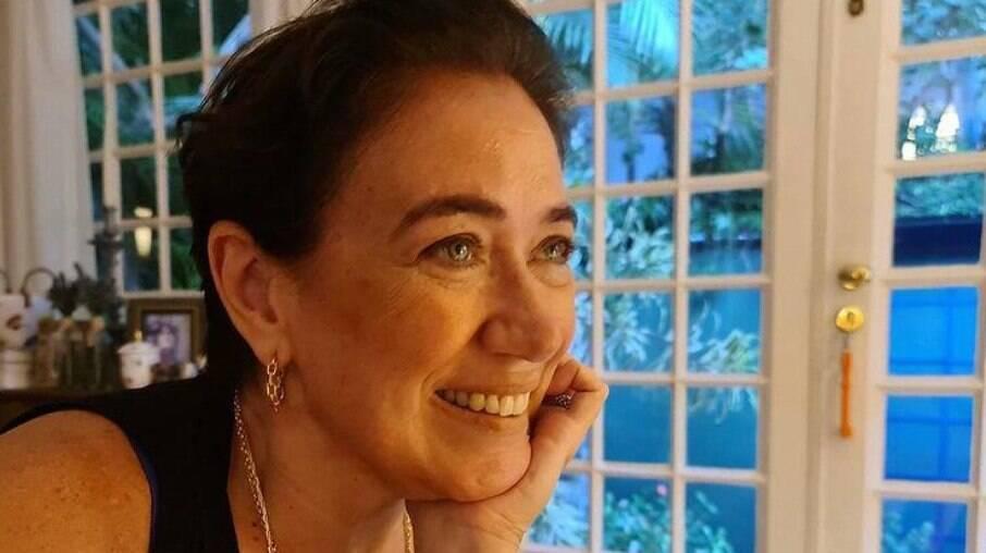 Lilia Cabral retorna à terapia na pandemia