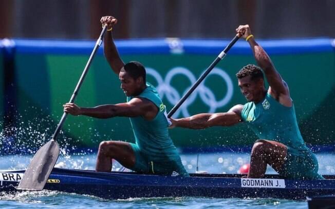 Isaquias Queiroz e Jacky Godmann ficam fora do pódio na canoagem