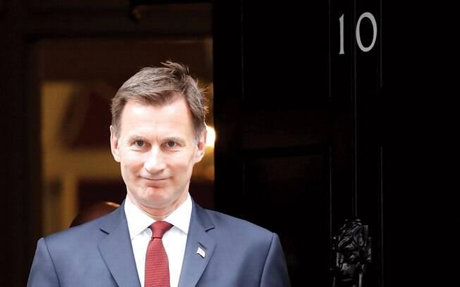 Menos radical do que Johnson, Hunt é defensor de termos mais brandos para o Brexit