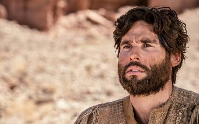 Jesus executou seu primeiro milagre na novela da Record e sua fama começa a se espalhar