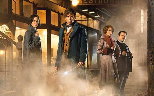 O filme é o primeiro roteirizado por J.K. Rowling e é dirigido por David Yates, de