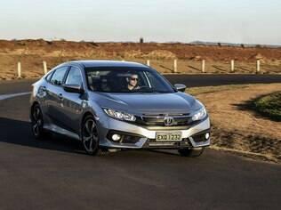 Honda Civic 2017 é bom de curva e transmite segurança em qualquer situação