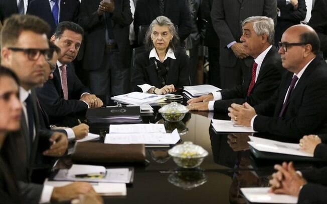 Ministra Cármen Lúcia participou de reunião no Tribunal de Justiça de Goiás para tratar sobre a situação dos presídios
