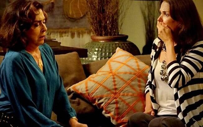 Pilar conta para Alexia que perdeu todo o dinheiro da família