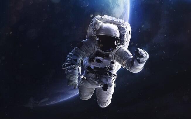 Mitos sobre o universo: pessoas explodem no espaço; dado é falso, pessoas tendem a sufocar se não trajadas  de forma certa