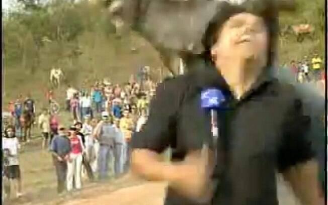 O repórter Thiago Zogbi se machucou