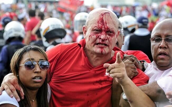 Ato em frente ao Congresso acaba em confronto entre manifestantes e policiais. Foto: Zeca Ribeiro/ Câmara dos Deputados/Fotos Públicas
