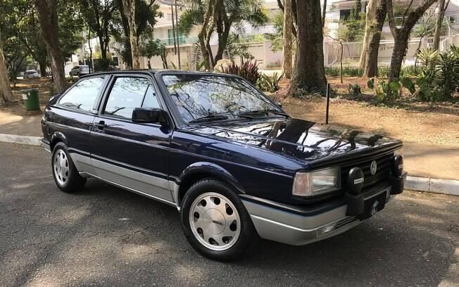 VW Gol GTI: aparência original, com pintura clássica Azul Mônaco, mas sob o capô fica o 2.0 turbo, de cerca de 220 cv, com 1 bar de pressão