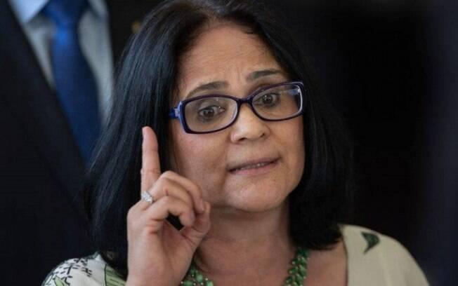 Ministra Damares está sendo alvo de apuração