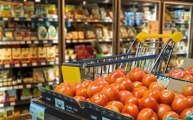 Arroz e feijão sobem mais de 60% no último ano, diz FGV