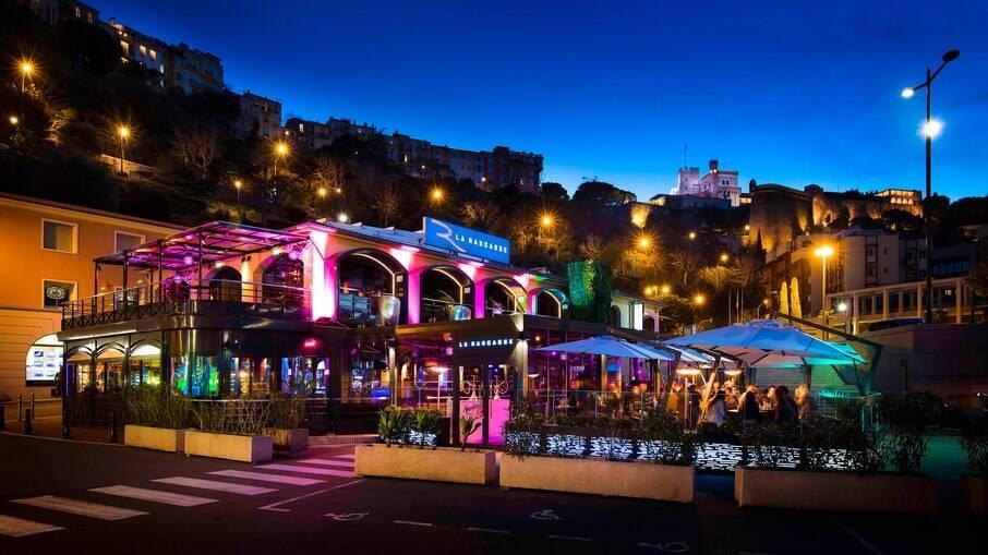 Localizado na curva do GP de Mônaco, o La Rascasse é uma das principais opções noturnas de Mônaco