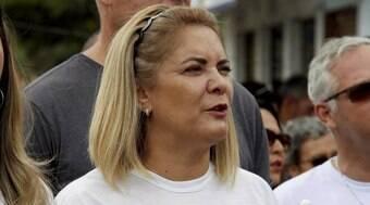 Ex-mulher de Bolsonaro depõe sobre rachadinha em gabinete de Carlos