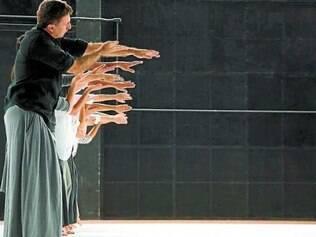 "Bailarinos no Primeiro Ato vão estrear ""InstHabilidade"" no Teatro Bradesco"