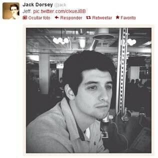 Foto em preto e branco publicada por Jack Dorsey no Twitter pode revelar testes de novo recurso
