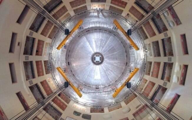 O reator inteiro pesará 23.000 toneladas