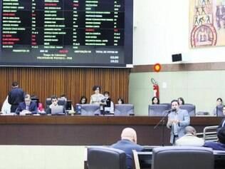 Vereadores retornam ao Plenário para votar projetos do Executivo