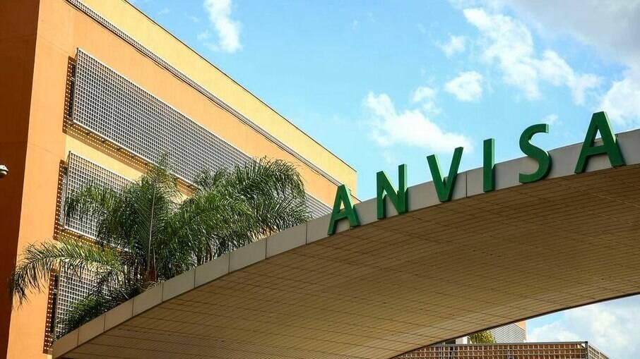 Anvisa não envia e-mail e reunião de emergência sobre kit intubação é cancelada