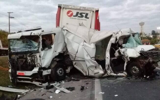 Um acidente envolvendo sete veículos deixou um morto e oito feridos em Jundiaí, interior de São Paulo.