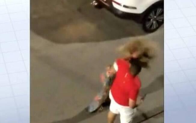 Homem agride namorada e acaba preso pela polícia de SP