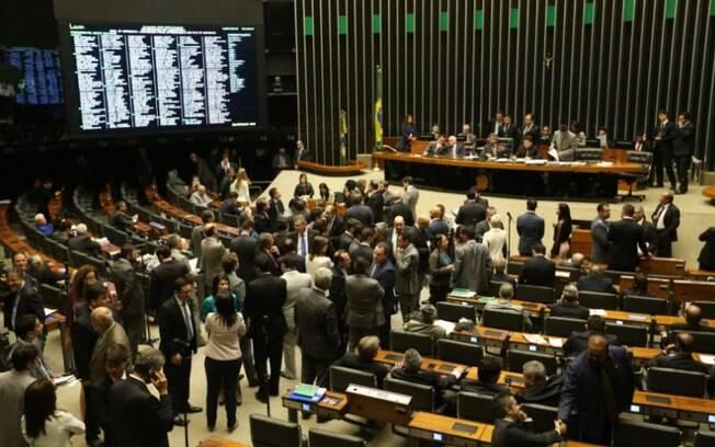 PEC foi aprovada na Câmara em primeiro turno: 366 deputados votaram a favor e 111 contra; outros dois se abstiveram