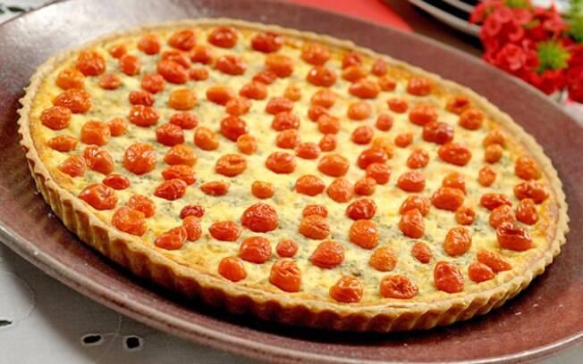 Foto da receita Quiche de queijo de cabra com tomatinhos pronta.