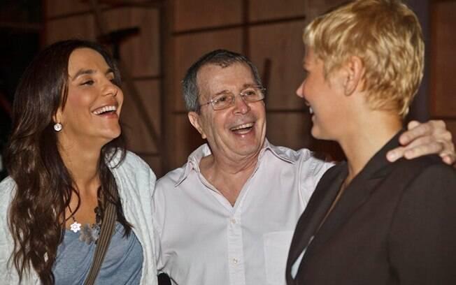 Ivete Sangalo, Daniel Filho e Xuxa nos bastidores de