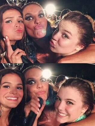 Bruna Marquezine, Ivete Sangalo e Alice Correa se divertem no carnaval de Salvador