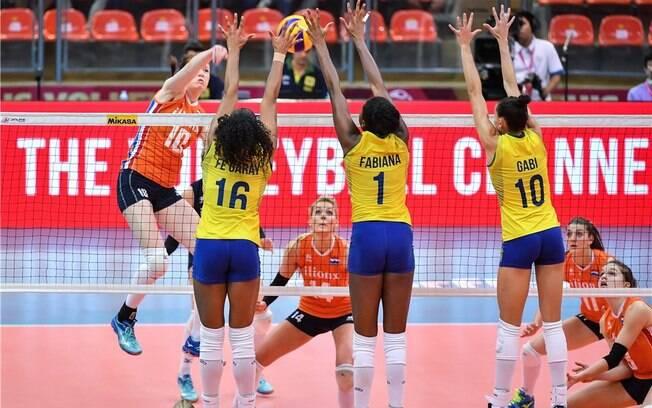 a9104615c Brasil derrotou a Holanda com autoridade no vôlei feminino