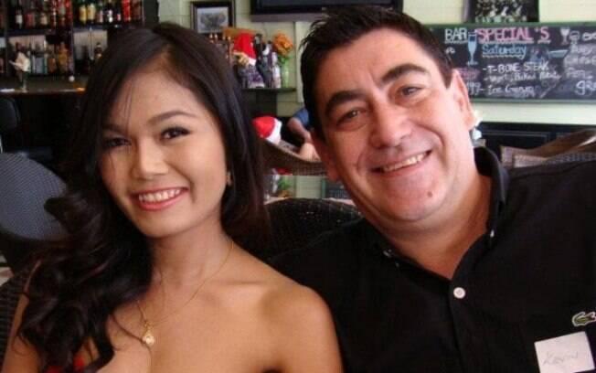 Kandra e Kevin moravam com os filhos na Tailândia, país natal da mulher; ela foi assassinada após recusar sexo ao marido