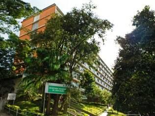 Politica - Belo Horizonte, Mg.  Conselho decide sobre o tombamento do predio da FAFICH. Na foto: Fachada Fafich. Fotos: Leo Fontes / O Tempo - 31.3.14