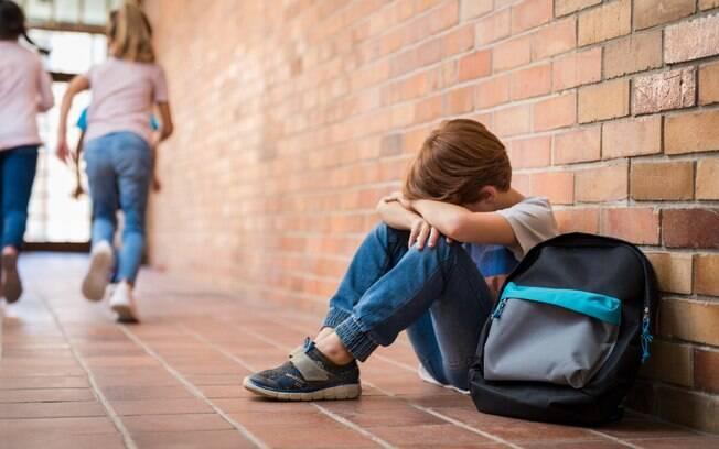 A escola lamentou e se desculpou pelo o que aconteceu. Instituição abriu investigação para responsabilizar os envolvidos