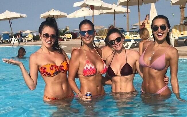 Em sequência: Jaque Ciocci, Luciana Cardoso (mulher de Faustão), Renata Longaray e Daiane de Paula