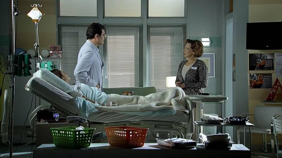 Lúcio tenta convencer Eva a procurar ajuda