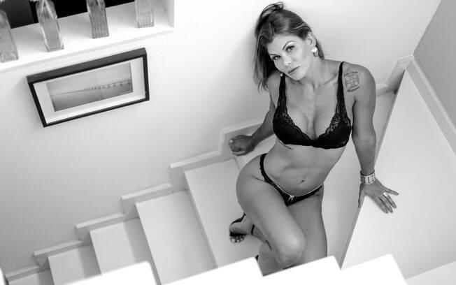 Jamila Sandora%2C lutadora profissional de MMA e musa do Vasco
